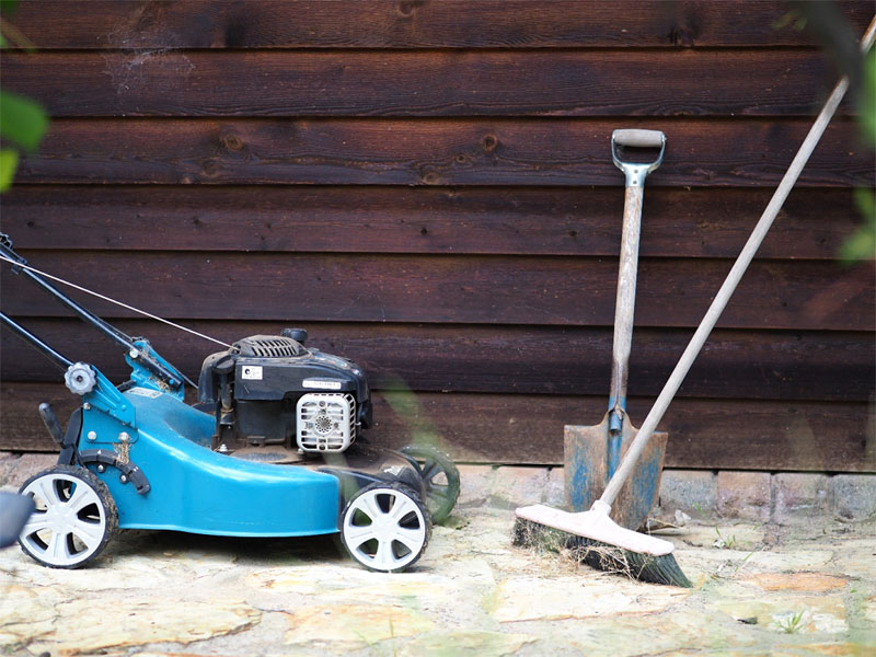 Tools required for mowing the lawn